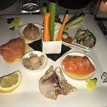 Gran piatto di crudo di branzino e salmone!!