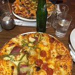 Foto Fire and Ice Pizzeria