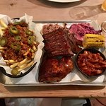 Smoke and Tap Pitmaster for 1 with messy fries