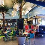 Citroen vintage Food Truck +Terrasse indoor