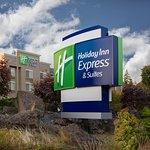 Holiday Inn Express and Suites Hood River