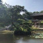 صورة فوتوغرافية لـ قصر جيونج بوكجيونج الملكي