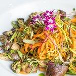Duo de Espaguetes ao Azeite de Ervas com Cogumelos Frescos (vegano)