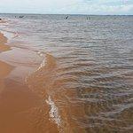 Praia ao longo da ilha-duna