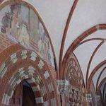Foto van Abbazia Cistercense di Chiaravalle della Colomba