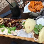 Buns, ribs (wow!), and sweet potato chips