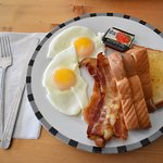 Bild från Memories Cafe and Eatery