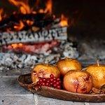 Настоящая русская печь , в которой готовим  разные блюда