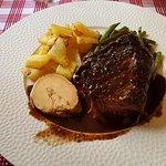 Filet de boeuf foie gras pommes de terre ,haricots vert .