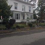 Linden Tree Inn-bild