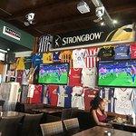 Photo de Glory Days Sports Bar and Grill FBI