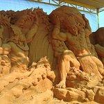 صورة فوتوغرافية لـ Forgotten Land Sand Sculpture Park
