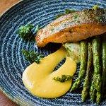 Salmon, crushed new potatoes, asparagus, kale & hollandaise