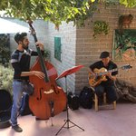 Deliciosa música de jazz nos ambienta lunes y viernes...