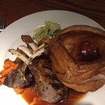 Sunday lamb roast