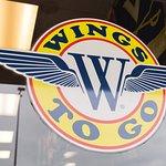 Wings To Go - Greenvilleの写真