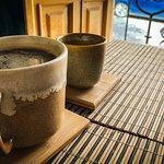 Contamos con dos tipos de café 100% oaxaqueños originarios de la Sierra Sur y Mixteca.