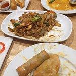 Photo de Bai Bua Thai Resturant & Cafe