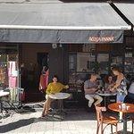 Foto de Nina Cafe Bistro