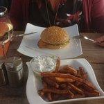 Chickenburger mit Süßkartoffeln