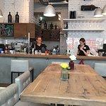 Leo Hillinger Wineshop & Bar Foto