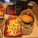 Φωτογραφία: Pax Homemade Burgers