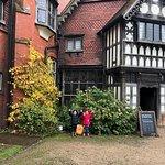 Wightwick Manor and Gardens fényképe