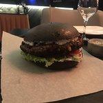 тимати бургер на черной булочке