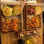 La mejor hamburguesa de todas ❤️ Me enamoré del sabor de la carne y las papas. ¡Sin duda alguna