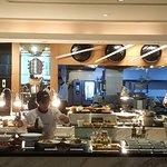 صورة فوتوغرافية لـ Momo Cafe at Courtyard by Marriott Bangkok