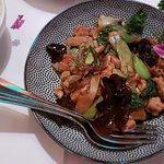 Menü Szechuan mit Huhn und Reis dazu
