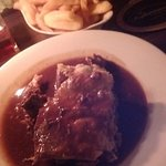 famous steak pie with handcut chips & vegetables