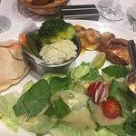 """PARADIS TERRESTRE"" 15€ Filet rouget+ Crevettes+ Pita saumon+ légumes"