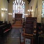 Coro, presbiterio y hermosa vidriera