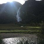 Belle cascade avec un bout de soleil au moment où l'on y arrive !