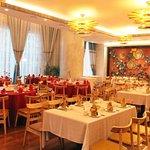 Zdjęcie Dynasty Restaurant