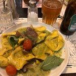 Tmol Shilshom Cafeの写真