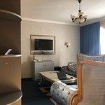 Potret Premier Hotel Shafran