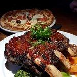 Cedar Grill의 사진