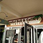 Foto de Sanibel Deli & Coffee Factory