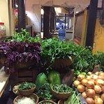 Photo de Vy's Market Restaurant & Cooking School