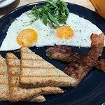 Фотография Lions Locker and Breakfast