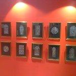 display foto 10 hiasan jendela kaca patri di galeri yang terdapat di dalam gereja