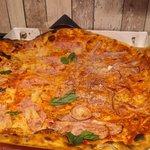 Fotografie: Johnny Pizza a Johnny Pizza bar
