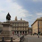 Foto van Piazza Raffaele De Ferrari