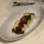 Käseteller mit dänischem Blauschimmel und Tomatenmarmelade