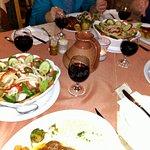 Foto de Flames Restaurant and Bar