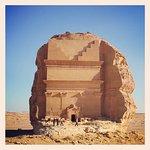 صورة فوتوغرافية لـ Madain Saleh Tombs