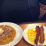 Bild från Another Broken Egg Café