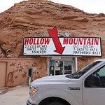 写真Hollow Mountain枚
